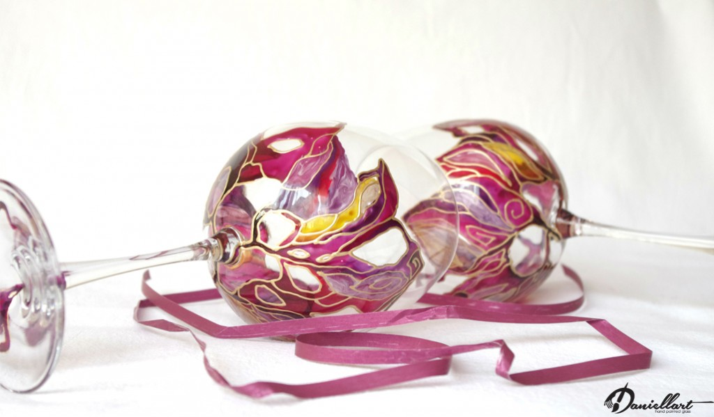 Подарък за всеки повод - Ръчно рисувани чаши за вино