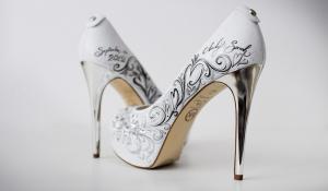 Ръчно рисувани обувки